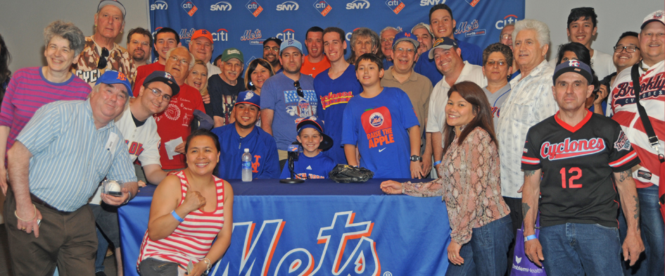 CYCLONES SEASON TICKET HOLDERS VISIT CITI FIELD