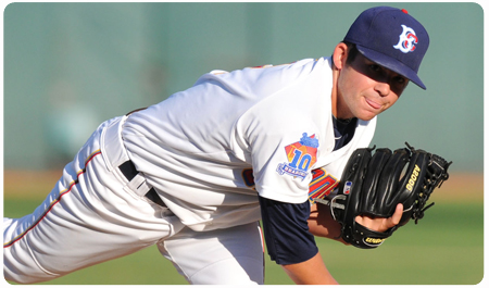 CYCLONES TOPPED BY YANKEES